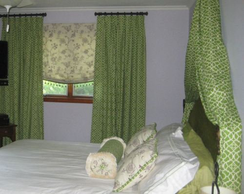 Lattice panels and pillows