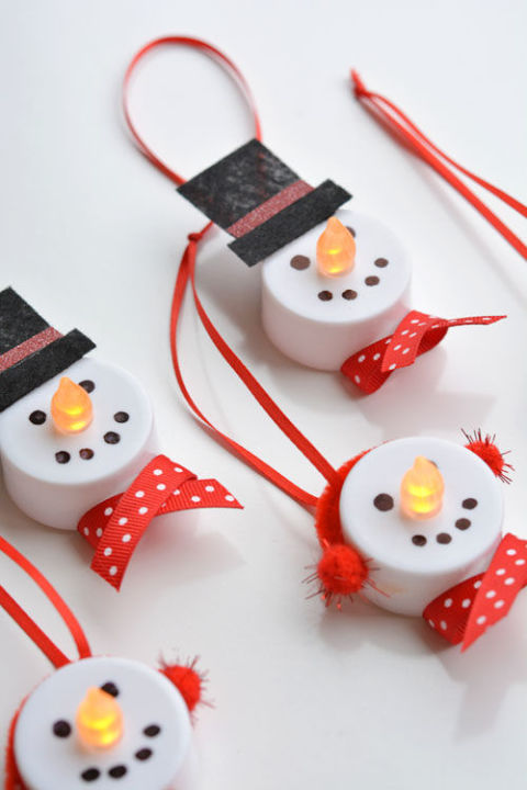 4-holiday-diy-light-up-snowmen